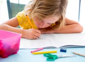 Δυσγραφία: Γιατί κάνει το παιδί μου άσχημα γράμματα;