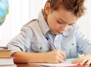 Γονείς σε απόγνωση: 10+1 εισηγήσεις για τη σχολική μελέτη και το άγχος