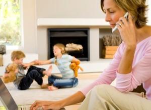 Γονείς καριέρας: Πώς επηρεάζεται η συναισθηματική ανάπτυξη των παιδιών;