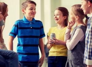 Πώς να βοηθήσετε το παιδί 0-18 ετών να αναπτύξει κοινωνικές δεξιότητες