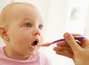Εσείς τρώτε από το ίδιο κουτάλι με το μωρό;