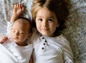 Νέο μωρό στην οικογένεια: Πώς προετοιμάζουμε τα μεγαλύτερα παιδιά;