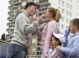 5 πράγματα που δεν πρέπει (ποτέ) να πεις στον πατέρα των παιδιών σου