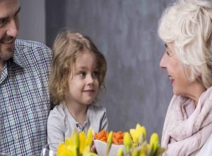 Πώς μπορούν να χειριστούν οι γονείς την συμπεριφορά των παππούδων;