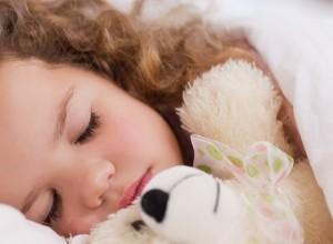 Βάλτε πρόγραμμα στον ύπνο των παιδιών